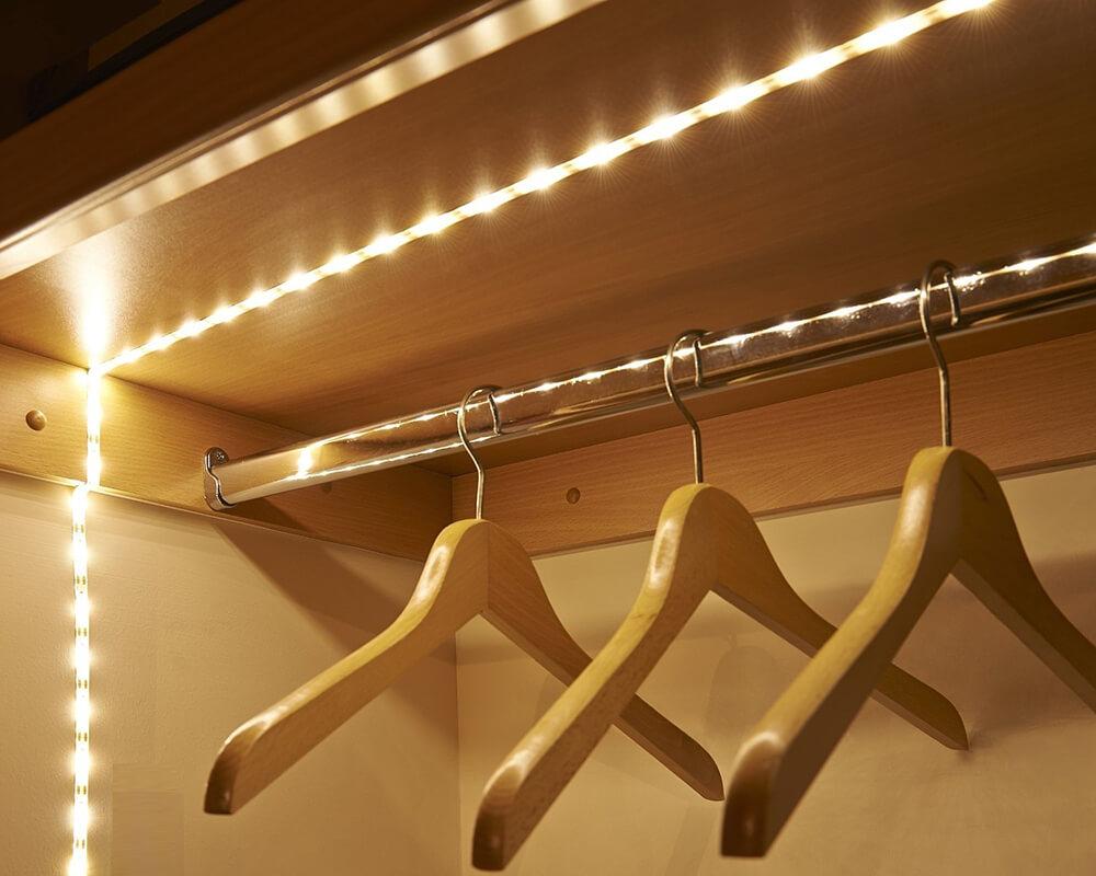 Iluminare interioară dressing