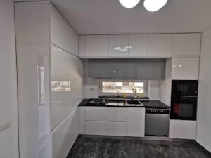 Mobilă bucătărie modernă - imaginea 136
