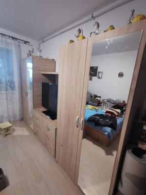 Mobilă dormitor - imagine 36