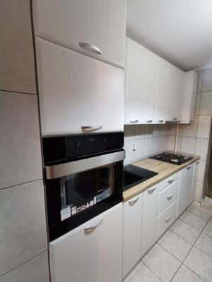 Bucătărie modernă albă