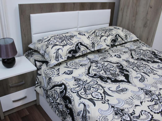 Mobila-de-dormitor-model-Nord---detaliu-pat-d7