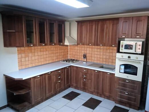 Bucătărie de colț în stil clasic, din MDF înfoliat și PAL melaminat, model AIDA