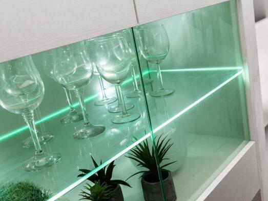 living-modular-cu-lumini-LED---vitrina-3c