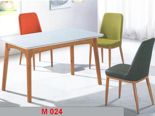 Masă de bucătărie în stil clasic - model M024