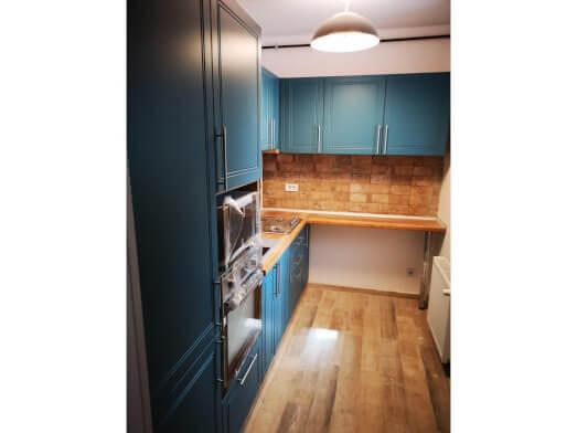 Mobilă de bucătărie din PAL și MDF înfoliat, cu coș Jolly - model Blue Home
